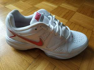 Patike Nike broj 39