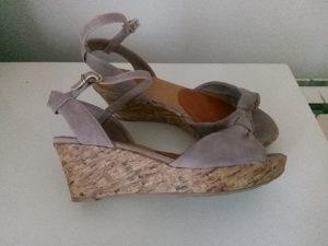 Zenske sandale prljavo roza
