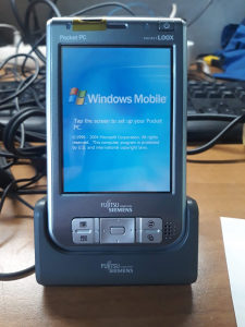 Fujitsu Siemens Pocket LOOX 718 windows