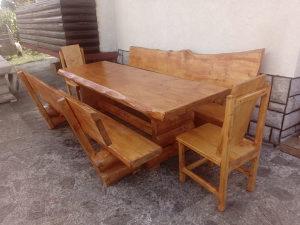 Drveni stolovi, klupe, stolice,barski viseci stolovi i