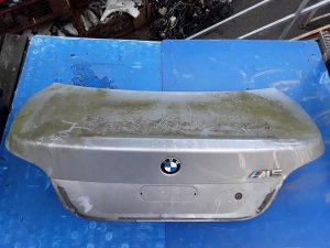 ZADNJA HAUBA BMW E60 03-07 281850 DIJELOVI