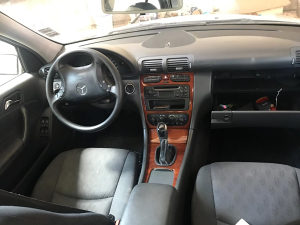 Mercedes c klasa w203 220 cdi stranac dijelovi