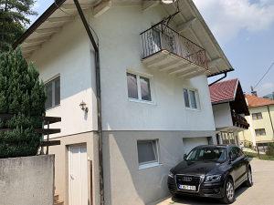 Kuća sa baštom i šumom Travnik