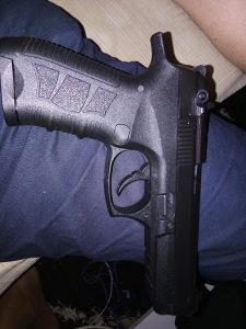 Pištolj signalni Magnum p92