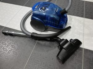 Usisivac Bosch plasticna posuda