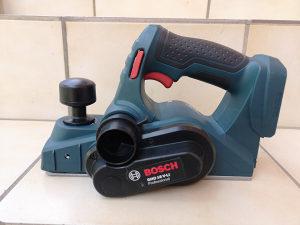 Bosch aku rende 18v Novo 2018god