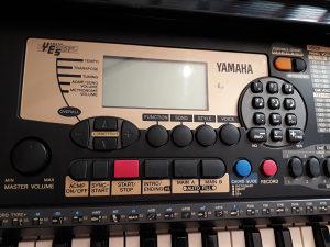 Klavijatura Yamaha psr225