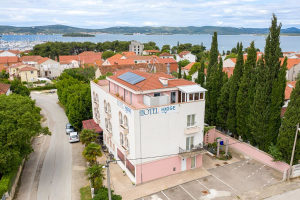 BIOGRAD: Hotel Hygge