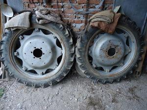 traktorske gume zadnje sa felgama