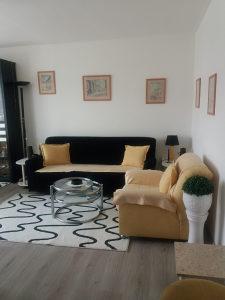 Stan 45 m2 zgrada Anex 350 KM