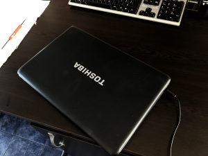 Laptop Toshiba C660D ispravan!!! povoljan!!!