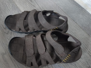 Sandale muške 41 NIKE,predobre,smede