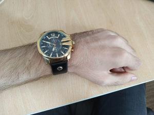 Muški sat (Curren)