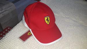 Kačket Ferrari