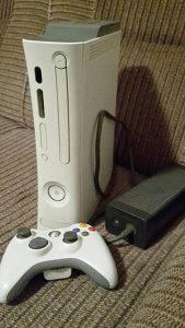 Xbox 360 cipovan LT 3.0 + 50+ igrica