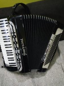 Harmonika Guerrini cetveroglasna 120 bas Novaa, Novaa