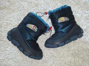 Odlicne futrovane cizme br.25