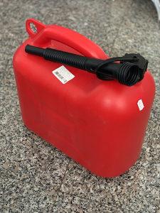 Kanister za gorivo / naftu / benzin sa nastavkom / NOVO