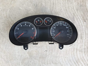 Kilometar sat celer Audi A3 8P benzin 8P0920930T