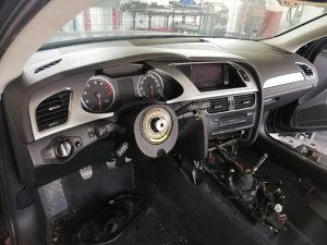 Audi a4 b8 instrument tabla pojasevi