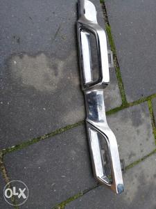 Dacia Duster 10- lajsna maske gornja desna