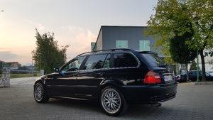BMW E46 Facelift 330XI_4X4 2003 god. Full oprema..