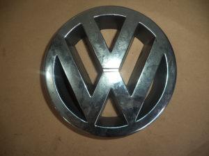 VW CADDY POLO GOLF 5 2005G. VW ZNAK U MASKI