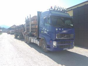 Kamion volvo sticar