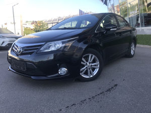 TOYOTA AVENSIS 2.0 D-4 M/T