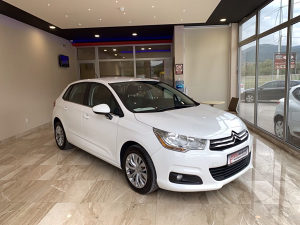 Citroen C4 1.6HDI 2014/15. god do Reg. NAVY