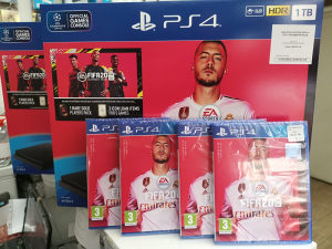 PLAY STATION 1 TB   FIFA 2020 plus  PS PLUS 14 dana PS4
