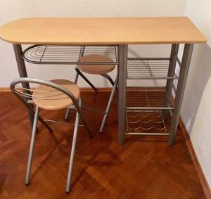 Šank i dvije stolice