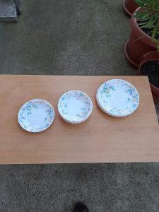 Porculanski set tanjira