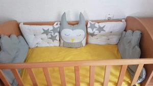 Krevetac sa lezajem I jastucima...