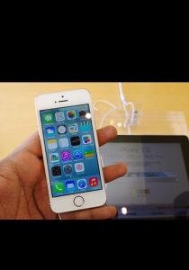 Iphone 5s gold otkljucan