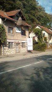 Prodaje se KUĆA,uz put M 17,naselje Bare,Doboj