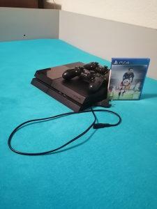 Playstation 4 500GB sa 2 dzojstika i 2 igrice