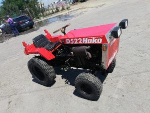 Traktor mali vocarski