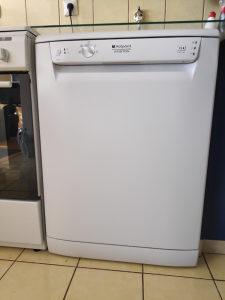 Mašina za suđe Ariston hotpoint