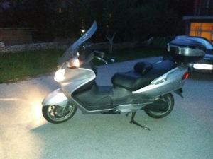Prodajem maxi skuter 650 cc