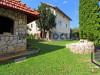 LOCUS prodaje: Porodična kuća i dvorište, Kromolj