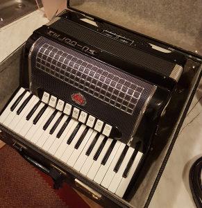 Melodija Harmonika 72b