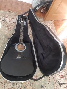 Akustična gitara Fender Squier SA105CE sa koferom