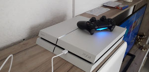 PS4 Playstation 4 500GB FORTNITE Apex