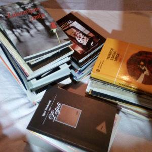 LOT - 70 knjiga / Zbirke pjesama