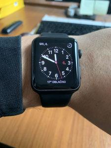 Apple Watch Space Gray 42mm 42 mm pametni sat iOS iCloud