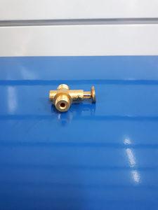 Slavina rezervoara goriva URSUS c360