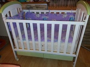 Dječiji krevetić sa madracem