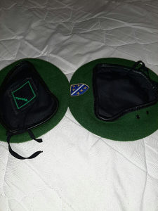 Zelena beretka 2 komada
