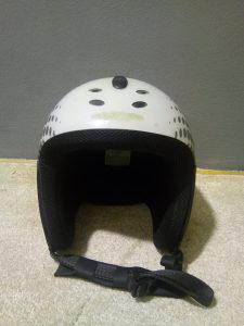 Skijaska kaciga